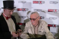 Stan Lee (performing magic for The Man!)