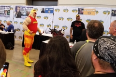 Animal (Reacts to funny Hulkster cosplayer)